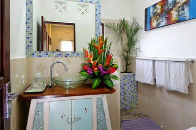 Kasih Villa Bathroom